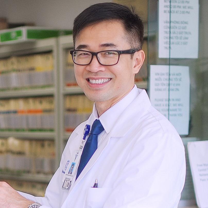 Bác sĩ Huynh Wynn Tran