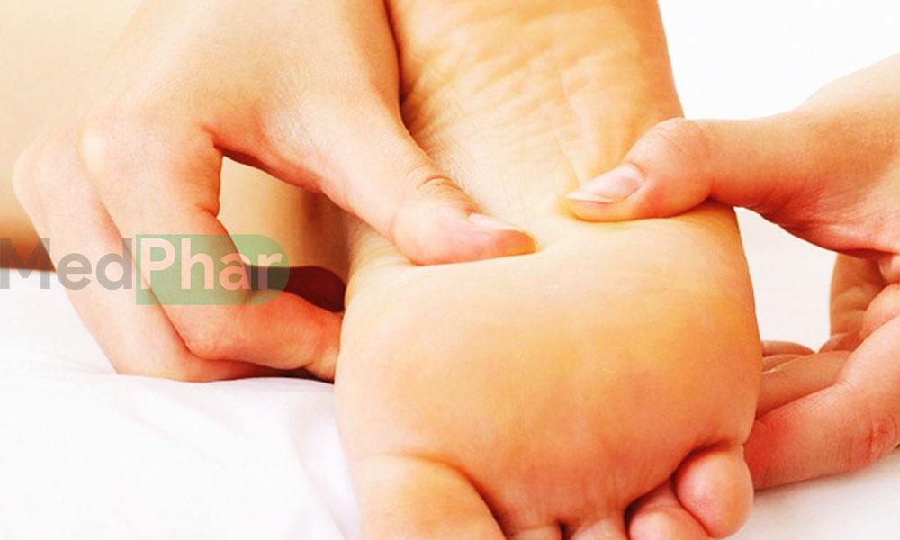 Cùng Nhà thuốc MedPhar tìm hiểu đau dạ dày bấm huyệt nào