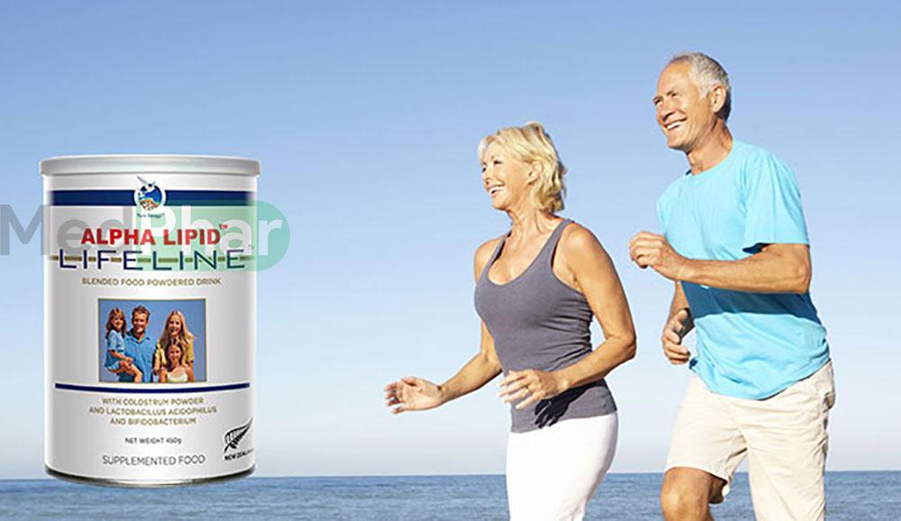 Sữa non Alpha Lipid Lifeline không chỉ dùng cho trẻ nhỏ mà còn dùng cho cả người già, người mắc bệnh mạn tính...